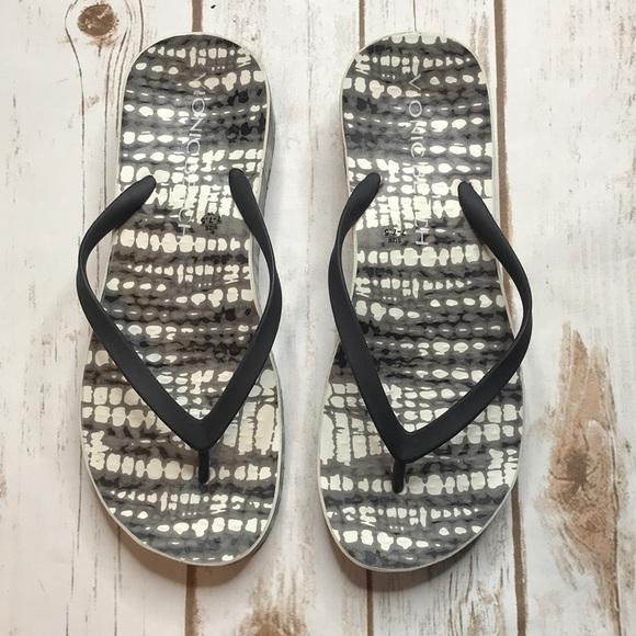 bb1075e4fc048d M 5bbe8970e944bac806bc2711. Other Shoes you may like. Vionic Tide Sequin  Arch Support Thong Flip Flops